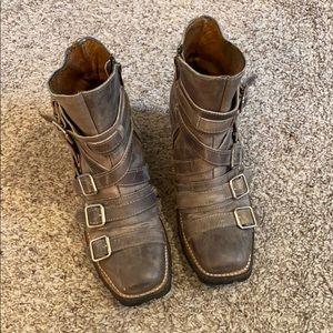Freebird Whiplash Distressed Gray Boot